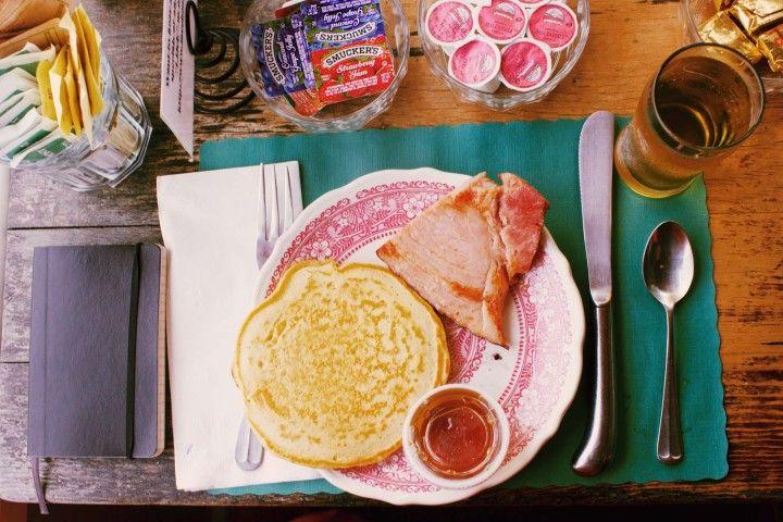 pożywne śniadanie przed wyjściem do pracy