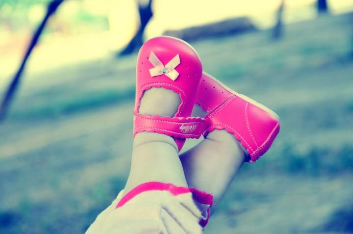 różowe dziewczęce buciki