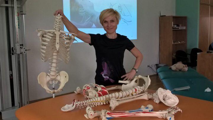 Magdalena Rusiecka-Serwatka na szkoleniu z terapii manulanej dzieci