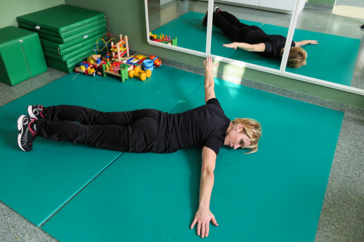 Licencja na Zdrowie - ćwiczenie poprawiające napięcie mięśni górnego tułowia.