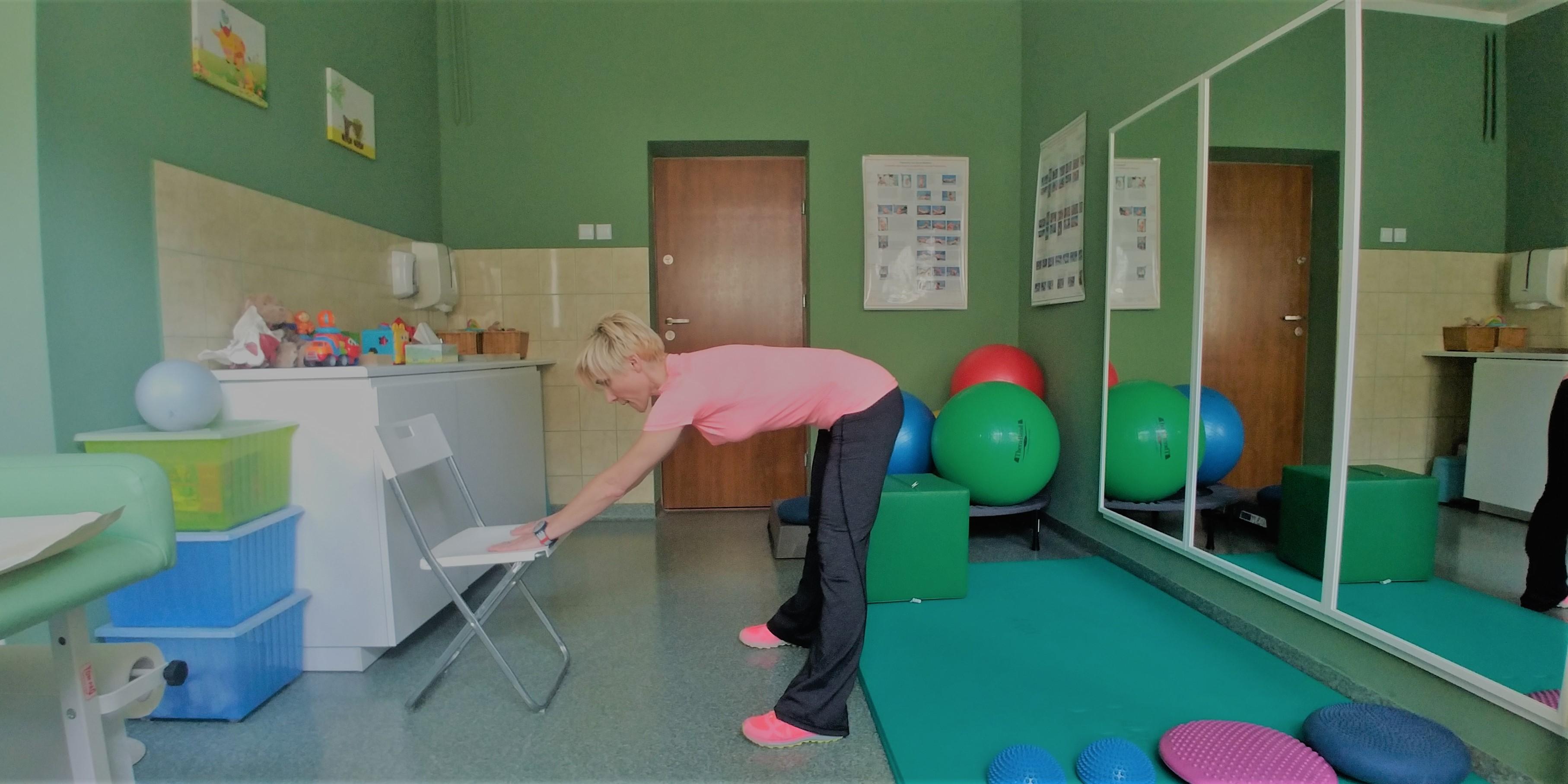 Cwiczenie przesuwanie bioder